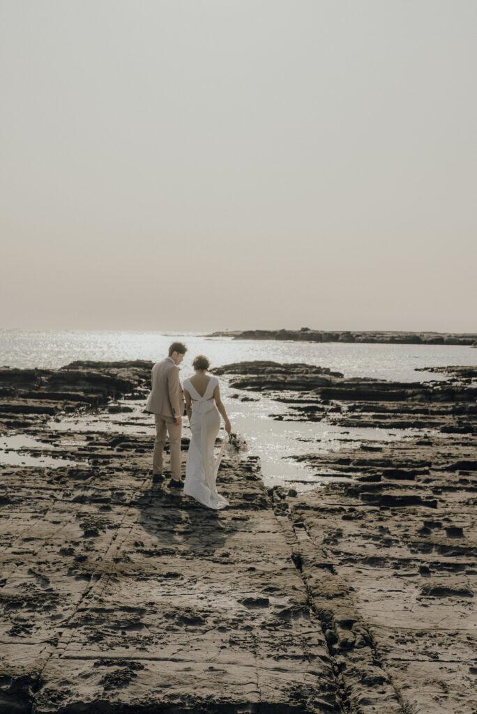 ウェディングフォト(結婚式前撮り)おすすめ撮影スポット/三段壁・鳥毛洞窟(和歌山県)